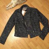 Куртка bershka в стиле шанель. Фото 3.