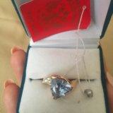 Золотое кольцо с топазом и бриллиантами. Фото 1.