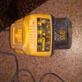 Продам зарядное устройства для шуруповерта девольт. Фото 1.