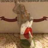 Статуэтка (девушка у березы ). Фото 1.