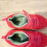 Кроссовки для девочки 29- 30 размер. Фото 2.