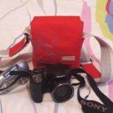 Полупрофессиональный фотоаппарат. Фото 1.