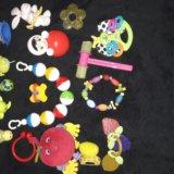 Игрушки погремушки +игрушки отдам на фото нет. Фото 3.