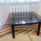Стеклянный стол. Фото 1.