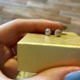 Новые золотые серьги с фианитами. Фото 1.