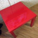 Стол красный. Фото 1.
