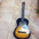 Акустическая гитара amati. Фото 1.