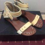 Женские сандалии. Фото 1.