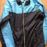 Спортивная куртка ветровка. Фото 1.