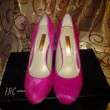Ярко-розовые новые туфли. Фото 1. Санкт-Петербург.