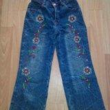 Много джинсовой одежды. Фото 2.