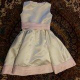 Праздничное платье на девочку. Фото 1.