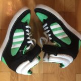 Сникерсы adidas. Фото 1.