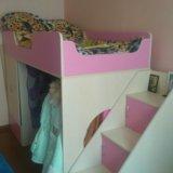 Кровать-чердак с лестницей в виде полок. Фото 1. Балашиха.