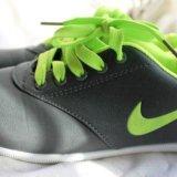 Кроссовки новые. Фото 1.