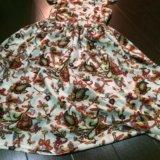 Платье с открытой спинкой. Фото 1.