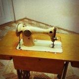 Бытовая швейная машина класса 2-м. Фото 3.