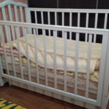 Детская кроватка. Фото 2. Ковров.