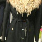 Новое пальто с шикарным натуральным мехом енота. Фото 1. Санкт-Петербург.