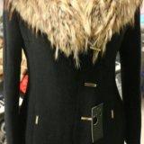 Новое пальто с шикарным натуральным мехом енота. Фото 2. Санкт-Петербург.