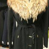 Новое пальто с шикарным натуральным мехом енота. Фото 3. Санкт-Петербург.