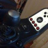 Руль logitech g27 racing wheel с подставкой. Фото 2.