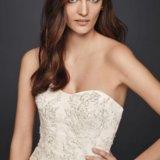Свадебное платье oleg cassini со шлейфом. Фото 3.