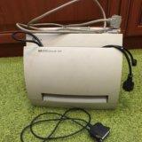 Принтер hp 1100 лазерный и переходник для usb. Фото 1.