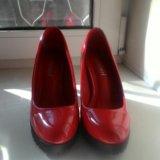 Туфли лаковые новые 35р, на тонкую ножку 700р. Фото 2.