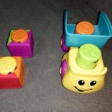 Машинка с кубиками fisher price. Фото 2.