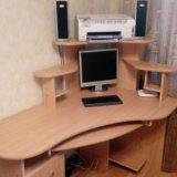Стол компьютерный угловой, размер 140 на 90. Фото 1.