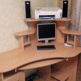 Стол компьютерный угловой, размер 140 на 90. Фото 2.