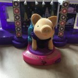 Свинка муз подиум. Фото 3. Москва.