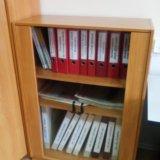 Шкаф книжный (стекл.дверцы). Фото 1. Магнитогорск.