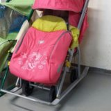 Санки-коляска. Фото 1.
