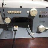 Швейная машина в идеале полная комплектация. Фото 1.