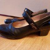 Туфли для девочки на каблучке. Фото 1.