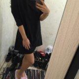 Платье с кожаными вставочками. Фото 1.