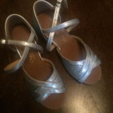 Танцевальные туфли для девочки. Фото 1.