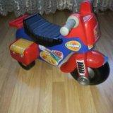 Мотоцикл каталка. Фото 1.