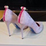 Новые туфли очень не обычного цвета. Фото 3.