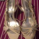 Белые открытые туфли на шпильке. Фото 1. Дубровка.