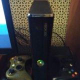 Xbox 360 slim 250 gb + 3 геймпада и штук 30 игр. Фото 1. Москва.
