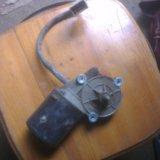 Моторчик стеклочистителя ваз 2109-21099-10. Фото 1.