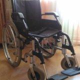 Инвалидное кресло-каталка. Фото 2.