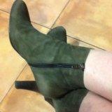 Продаю осенние замшевые  ботиночки. Фото 2. Москва.