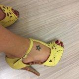 Босоножки жёлтые. Фото 1.