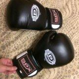 Кожаные перчатки для бокса. Фото 1.