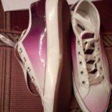 Женские бело-фиолетовые кеды. Фото 2.