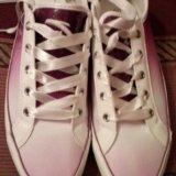 Женские бело-фиолетовые кеды. Фото 4.
